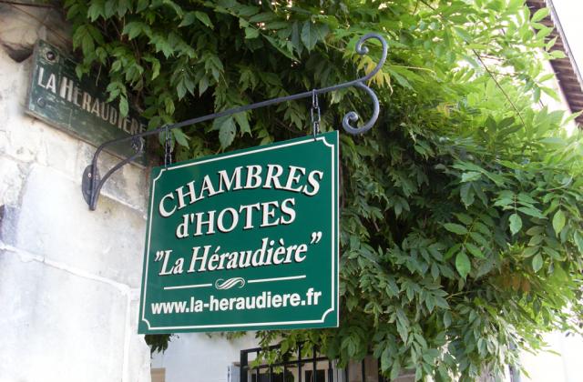 2010-08-19-SL383794-enseigne-la-Heraudiere